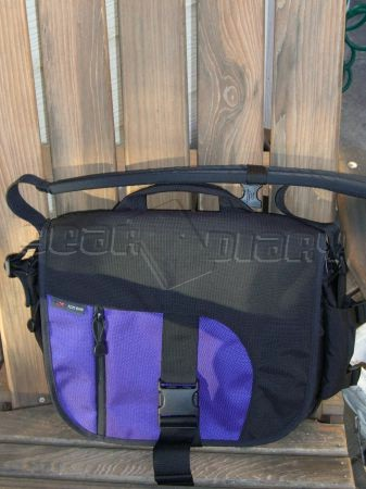 The Tom Bihn ID Messenger Bag Review