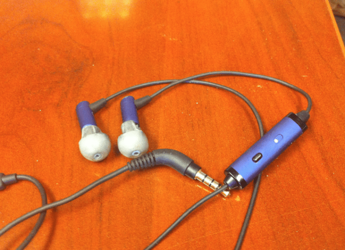 Gear vs Gear- Zagg Z-Buds, Apple's In-Ear headphones, and Etymotic HF2 headphones  Gear vs Gear- Zagg Z-Buds, Apple's In-Ear headphones, and Etymotic HF2 headphones  Gear vs Gear- Zagg Z-Buds, Apple's In-Ear headphones, and Etymotic HF2 headphones  Gear vs Gear- Zagg Z-Buds, Apple's In-Ear headphones, and Etymotic HF2 headphones