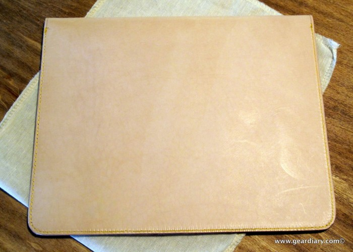 iPad Accessory Review: The Aligata Nude Beauty Leather Envelope