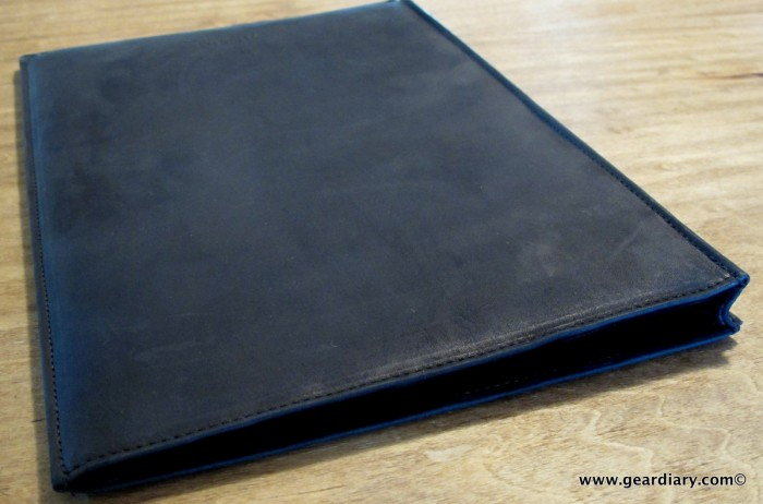 GearDiary MacBook Air Gear: AUTUM Straight Jacket, an Insanely Simple Leather Laptop Sleeve