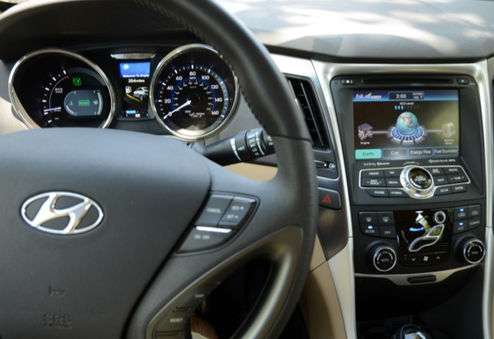 Stylish New Hyundai Sonata Hybrid Lacks Finesse, but So Did All the Others At First  Stylish New Hyundai Sonata Hybrid Lacks Finesse, but So Did All the Others At First