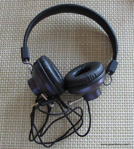 Eskuché 33i and Control-i Headphones Review  Eskuché 33i and Control-i Headphones Review  Eskuché 33i and Control-i Headphones Review