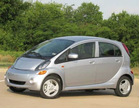 Plugging Into the 2012 Mitsubishi i-MiEV