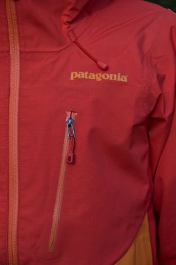 Patagonia Mixed Guide Hoody-chest pocket