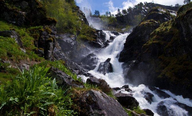 waterfall-mountain