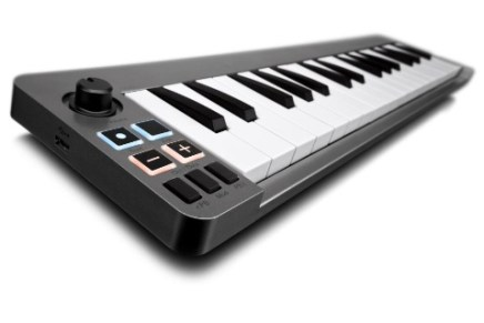 Avid Keystation Mini 32 Keyboard Controller announced