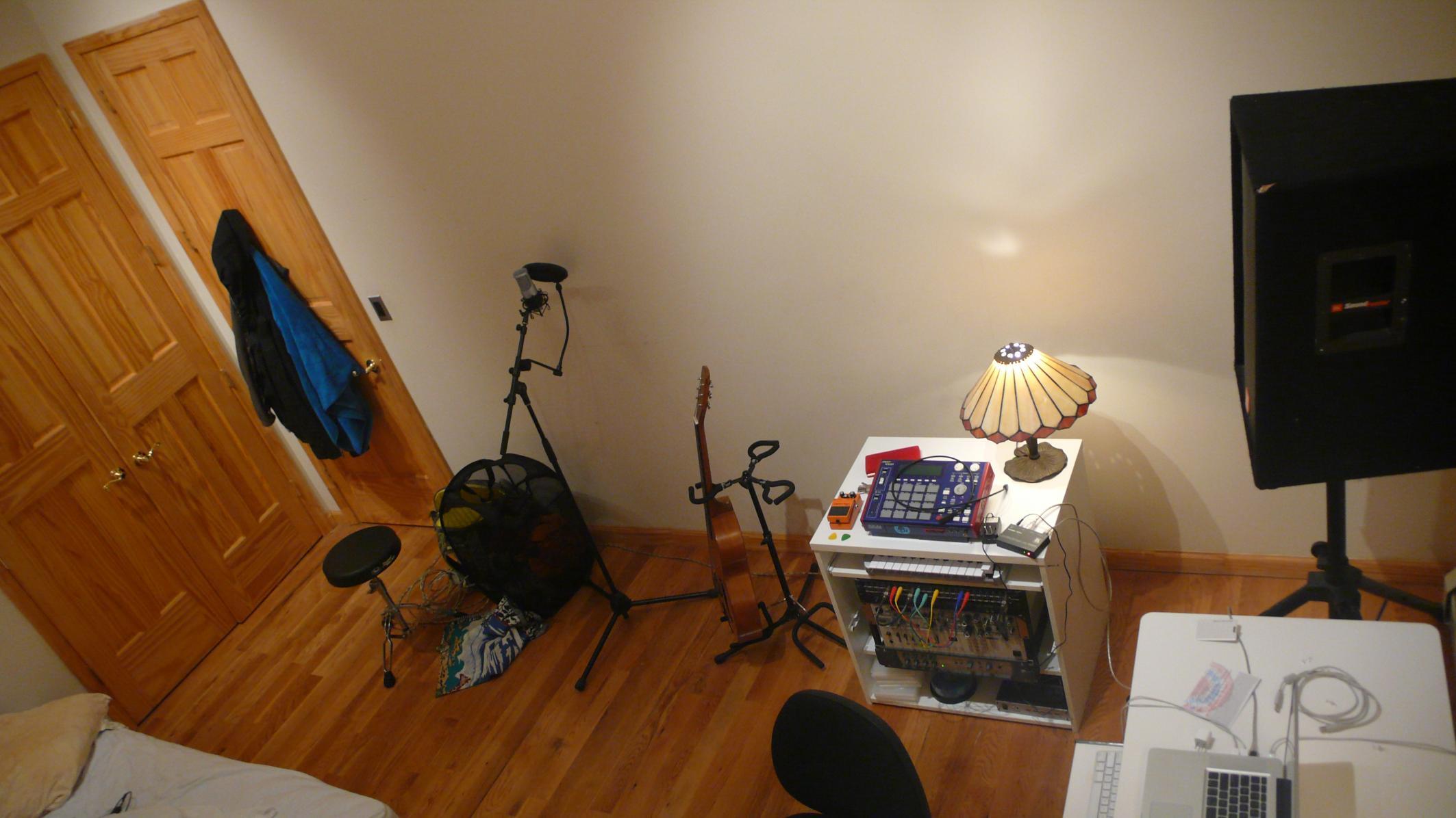 bedroom studio basics - before acoustic treatment - gearslutz pro