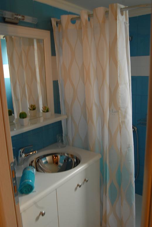 Gea-Villas-Lefkada-Maisonette-bathroom2.