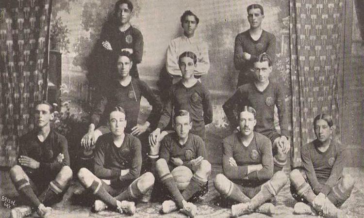 A equipe do Brasil de 1915 foi uma das primeiras a ganhar destaque 95e028b88318c