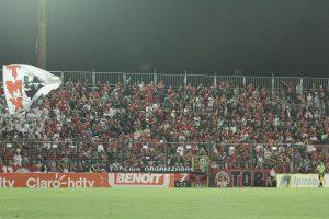 A torcida Xavante lotou o Bento Freitas, e empurrou a equipe para a vitória. Foto: Carlos Insaurriaga