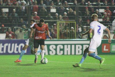 Ramon marcou mais um gol e chegou a cinco na Série B. Foto: Carlos Insaurriaga