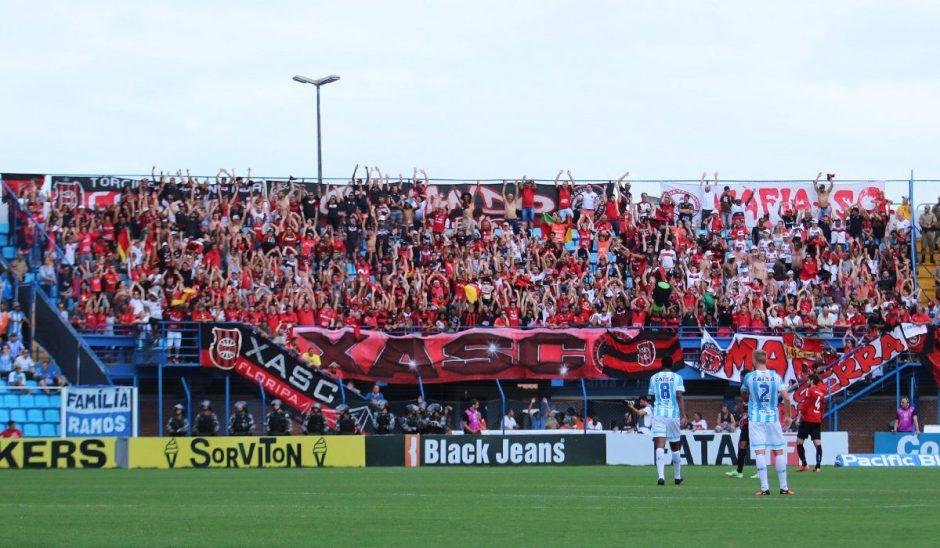 Na última rodada, os Xavantes invadiram Florianópolis, e festejaram a campanha na Série B. Foto: Jonathan Silva
