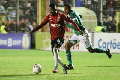Marcinho marcou o primeiro gol Xavante na partida. Foto: Jonathan Silva