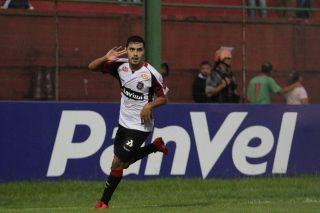Alisson Farias marcou um golaço e decretou a vitória rubro-negra. Foto: Jonathan Silva