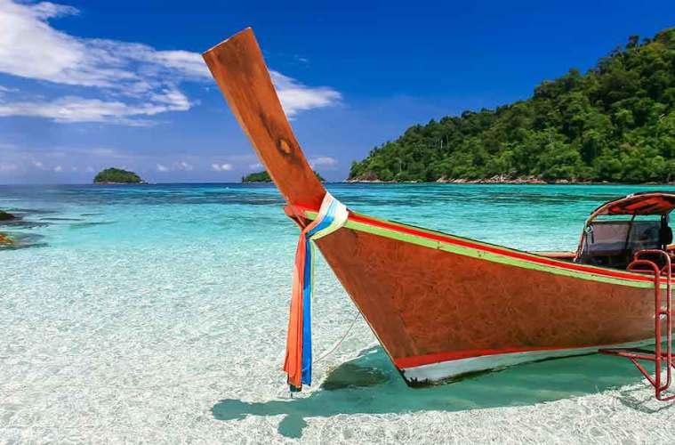 Koh Lipe boat on beach