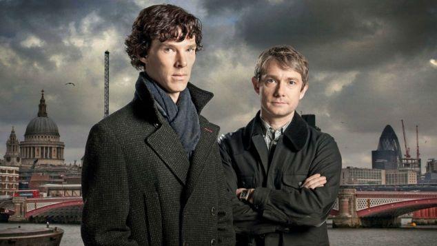 Sherlock à gauche, Watson à droite