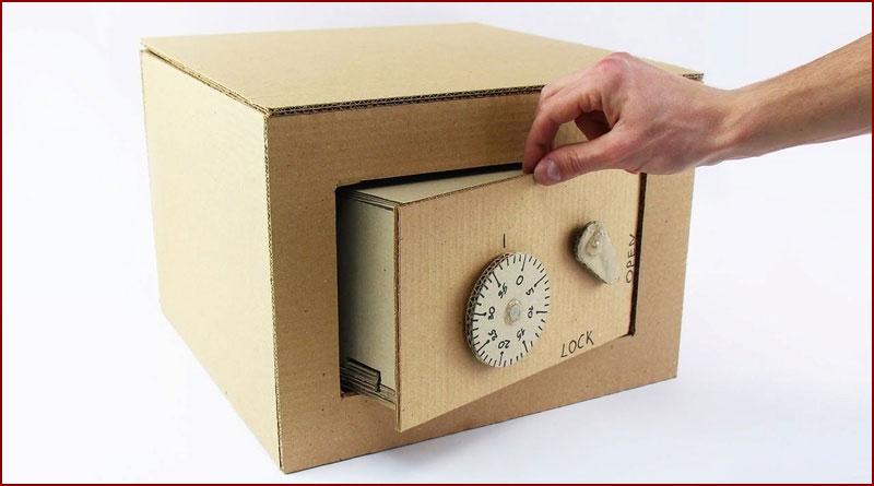 Comment réaliser un coffre-fort en carton ?