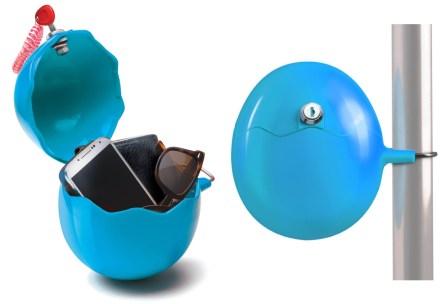 Una piccola cassaforte da attaccare all'ombrellone, per mettere al sicuro tutti i tuoi oggetti personali (17,70 euro, su Amazon)