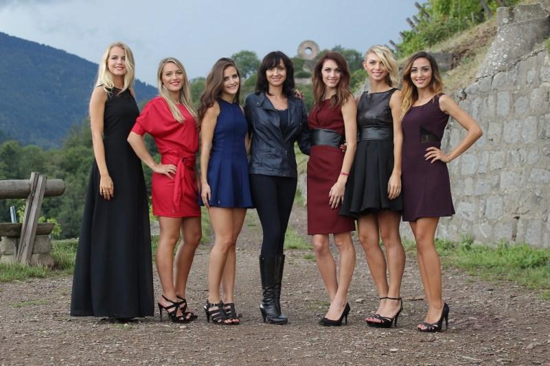 Marie Spinali tra le modelle che indossano i suoi vestiti connessi