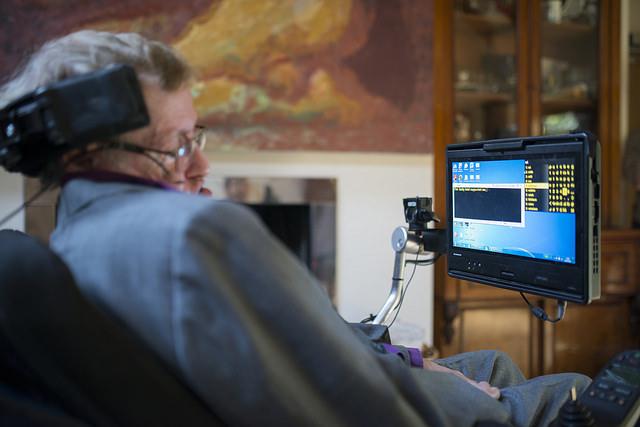 Intel crea un nuevo sistema que permite al Profesor Stephen Hawking  comunicarse mejor