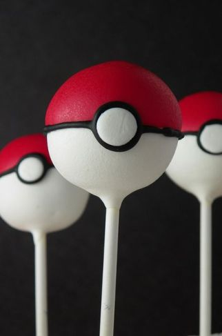 Pokeball cakepops
