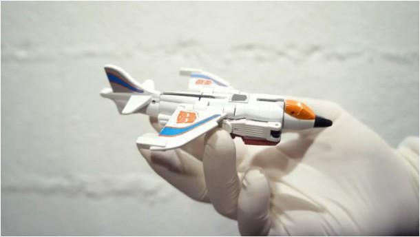 avion-transformer-jouet-geekorner