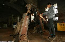 Transformers construits chine voitures pièces recyclage (5)
