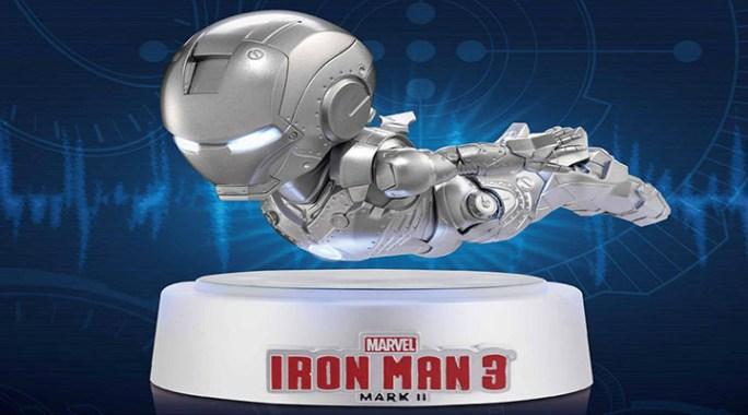 Statuette Iron-Man qui vole vraiment