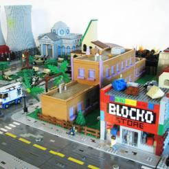 lego-simpson-springfield-ville-set (9)