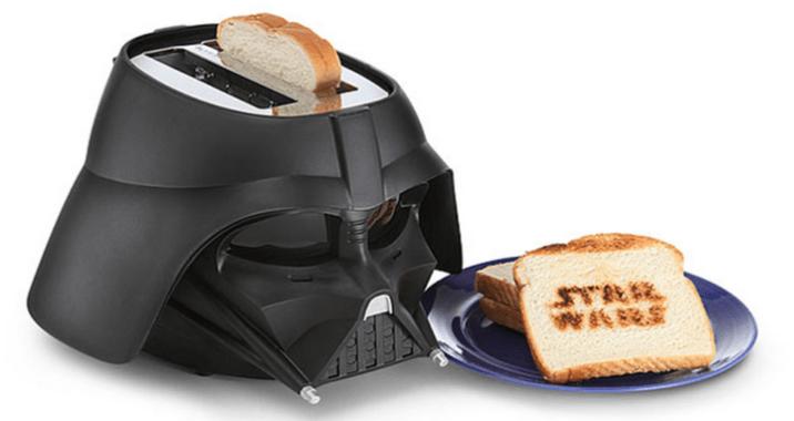 Ce casque Dark Vador fait aussi grille-pain