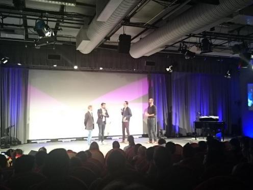 Le prix de la meilleure bande son, remis par Père Blaise (Kaamelott), est décerné à : Inside My Radio