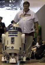 R2 D2 (New York Comic Con 2011)