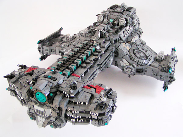 LEGO Starcraft 2 Hyperion Battlecruiser - 15 mil peças!!!