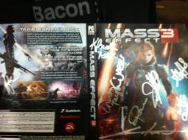 @CaiosTheSlayer with the motherload of signatures from the LA launch party