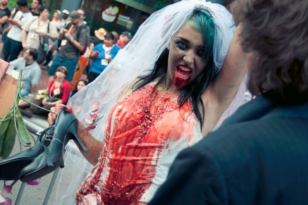 Bride Zombie - Hayley Sargent - SDCC 2012