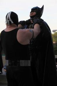 Bane Choking Batman @ Dragon Con 2012