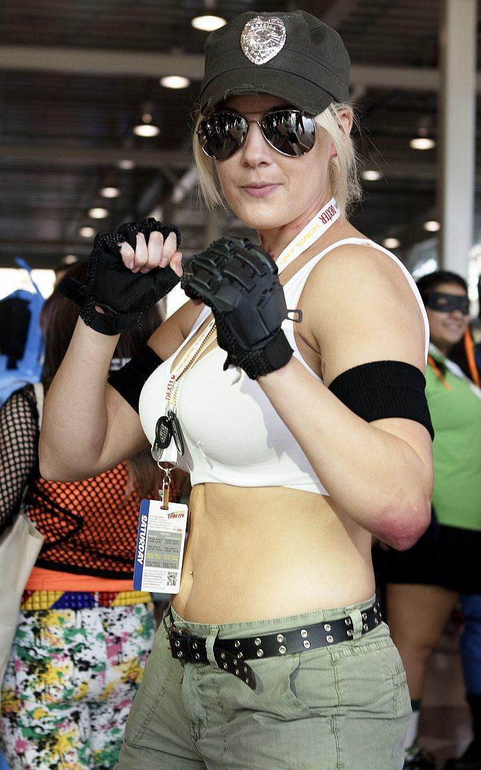 Sonya Blade @ New York Comic Con 2012 (NYCC)