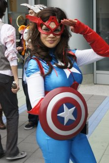 Lady Captain America - Picture by Rick R 1 - WonderCon 2013