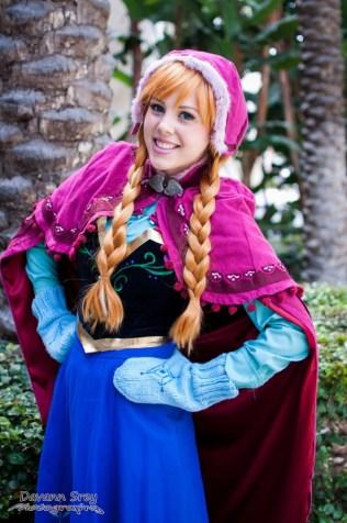 Anna (Frozen) - Wondercon 2014 - Photo by Davan Srey