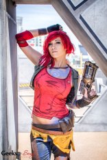 Siren (Borderlands) (Lindsay Elyse) - SDCC 2014 - Geeks are Sexy