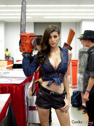 Lady Ash (LeeAnna Vamp) #2 – Montreal Comic Con 2014 – Photo by Geeks are Sexy