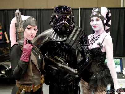 Shadow Trooper and Twi'Leks - Quebec City Comic Con 2015 - Photo by Geeks are Sexy