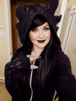 Ashe (Ashari Cosplay and Props) as Toothless