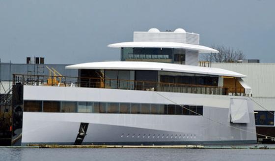 """Steve Jobs """"Venus"""" Yacht"""