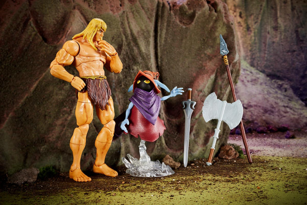 Masters of the Universe Revelation Savage He-Man with Orko - talking to Orko