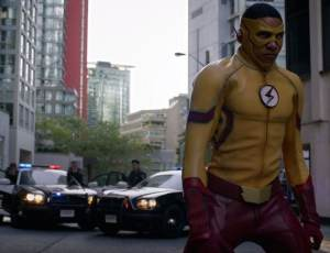 brave-new-world-flashpoint-has-arrived-in-season-3-trailer-of-the-flash-kid-flash-w-1070040