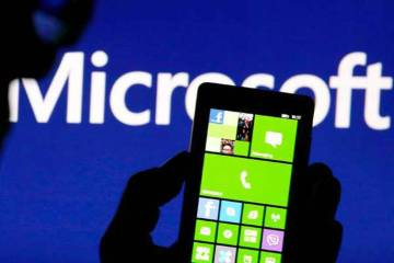 Microsoft Admits Defeat in Smartphone Market