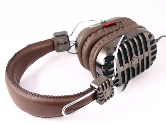 i-Mego Retro Heavybeats headphones