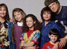 90's Sitcom 'Roseanne' Is Coming Back!