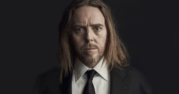 Tim Minchin Takes Piano Across Australia In New Comedy-Drama 'Upright'